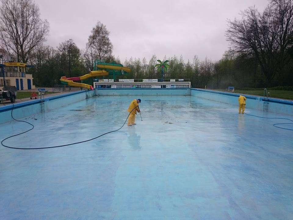 Het zwembad weer schoon!